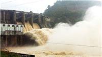 Thủy điện Hòa Bình xả cửa đáy số 3 và sẵn sàng cho xả lũ khẩn cấp