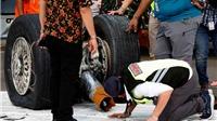 Rơi máy bay tại Indonesia: Tìm thấy động cơ máy bay, một thợ lặn thiệt mạng