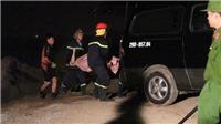 Tìm thấy 2 người chết trong chiếc xe ô tô húc văng lan can cầu Chương Dương, lao xuống sông