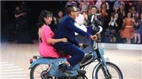 VIDEO: Lại Văn Sâm tình tứ cùng Ốc Thanh Vân bên xe cổ