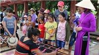Độc đáo'Ngày hè của em'tại làng văn hóa Việt Nam