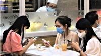 VIDEO: Thực hiện giãn cách xã hội tại các dịch vụ ăn uống