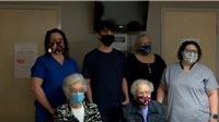 Gia đình Mỹ 4 thế hệ cùng đi tiêm vaccine ngừa Covid-19