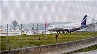 Bộ trưởng An ninh Anh nói lục soát máy bay của Nga là hoạt động thông thường