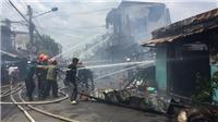 VIDEO Cháy lớn thiêu rụi ít nhất 7 căn nhà tại Tiền Giang