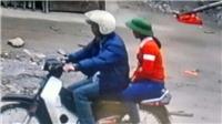 Hà Nam: Thông tin ban đầu xác định người lạ chở cháu bé bán bóng bay không phải là bắt cóc