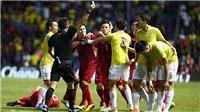Xem lại những pha bóng bạo lực ở các trận đấu giữa Việt Nam và Thái Lan