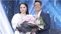 'Người ấy là ai': Hương Giang nắm tay 'cực phẩm' CEO người Singapore ra về