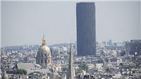 Pháp bắt giữ đối tượng leo lên tòa nhà Tour Montparnasse cao nhất Paris
