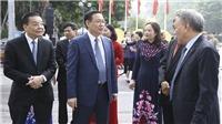 Triển lãm 'Hà Nội: Những dấu son lịch sử' bên Hồ Hoàn Kiếm