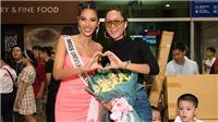 H'Hen Niê ra sân bay tiễn Hoàng Thuỳ lên đường thi Miss Universe