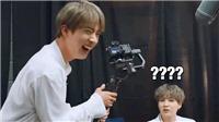 Jin BTS và khoảnh khắc hài hước khi cố điều khiển máy quay