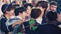 Tan chảy với những khoảnh khắc BTS thể hiện tình cảm với nhau