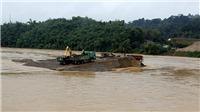 Cả nước mưa dông, sông Hồng qua Lào Cai xuất hiện lũ lớn bất thường trong mùa Đông