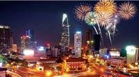 Việt Nam tạm biệt 2020 đón chào năm mới 2021