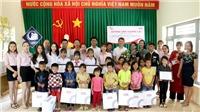 Chương trình 'Đường đến tương lai' trao học bổng cho học sinh Đắk Lắk