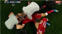 Salah bật khóc, rời sân sớm vì chấn thương sau cú khóa tay của Sergio Ramos