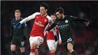 Video bàn thắng Arsenal 0-2 Man City: Sterling và Bernardo Silva rực sáng
