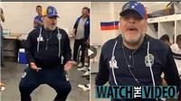 Huyền thoại Maradona gây sốt với điệu nhảy hài hước trong phòng thay đồ