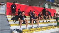 Thầy Park cùng BHL U22 Việt Nam 'do thám' Thái Lan đá với Indonesia