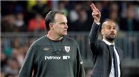 Leeds vs Man City: Trò Guardiola có vượt qua được thầy Bielsa?