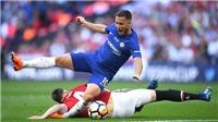 M.U thua Chelsea, Phil Jones bị chỉ trích: 'Con ngựa mù, con bò còn khá hơn'
