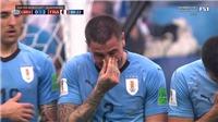 Ám ảnh khi cầu thủ Uruguay bật khóc nức nở dù trận tứ kết với Pháp chưa kết thúc