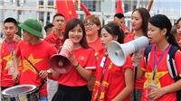 CHÙM ẢNH: Biển người đổ về Mỹ Đình, tiếp sức U23 Việt Nam tại cúp Tứ hùng