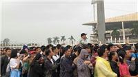 CẬP NHẬT: Biển người đổ về sân Mỹ Đình mua vé xem trận Việt Nam vs Malaysia