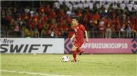 VIDEO: Văn Đức 'xâu kim' thủ môn, nâng tỷ số lên 2-1 cho Việt Nam