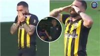 Cầu thủ Venezuela bật khóc vì ghi bàn vào phút cuối, khiến đội bóng của cha mất suất play-off