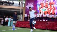 Quang Hải nhận lời thách đấu từ CĐV, Duy Mạnh được tổ chức sinh nhật sớm