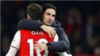 Rio Ferdinand: 'Arsenal nhanh và mạnh mẽ hơn MU, Oezil xuất sắc nhất trận'