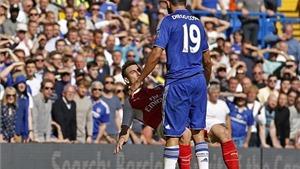 Cộng đồng mạng: 'Costa là thằng tồi'. 'Cần phải treo giò cả đời'. 'Wenger sẽ hỏi thăm hắn'