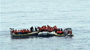 Trục vớt tàu chở 700 người tị nạn bị chìm ở Địa Trung Hải