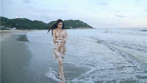 Hồ Ngọc Hà lang thang trên biển nhớ 'Người yêu cũ'