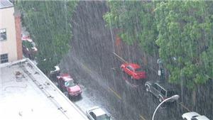 Miền Bắc vẫn mưa lớn, áp thấp trên biển di chuyển chậm