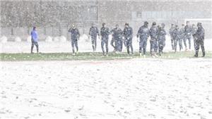 U23 Uzbekistan đội tuyết khổ luyện chờ đấu U23 Việt Nam