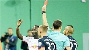 Tân binh đắt kỷ lục của Liverpool nhận tới 3 thẻ đỏ chỉ sau... 6 trận