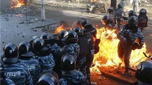 Khung cảnh khói lửa đầy bạo lực ở thủ đô Ukraine