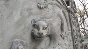 Những hình ảnh 'tức mắt' tại lăng Ngô Quyền