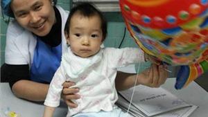 Phẫu thuật thành công cho bé gái đa dị tật bị bỏ rơi