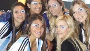 WAGs Argentina diện đồ, trang điểm ton sur ton đi cổ vũ đội nhà