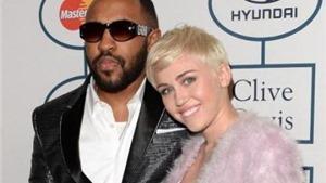 Miley Cyrus hẹn hò với tình mới là nhà sản xuất album về người tình cũ