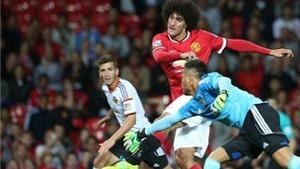 Rooney sút hỏng penalty, Fellaini ghi bàn giúp Man United đánh bại Valencia 2-1