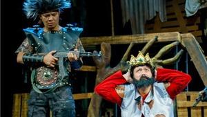 Kịch 'Vòng phấn Kavkaz': Thách thức thói quen xem kịch