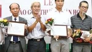 Bên lề giải Hội Nhà văn Hà Nội: Tiếc vì giám khảo không đồng thuận