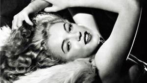 Ảnh độc về Marilyn Monroe: Từ cô người mẫu ngây thơ tới ngôi sao điện ảnh nổi tiếng nhất thế giới
