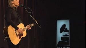Thưởng thức 'Blank Space' phiên bản acoustic của Taylor Swift
