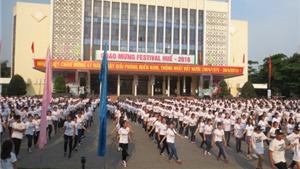 Gần 1000 bạn trẻ nhảy Flashmob chào mừng Festival Huế 2016